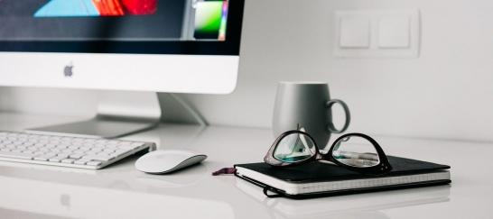 使用蜡制产品保养办公家具时一定要妥当